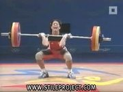 female weightlifter pisses herself