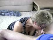 Dicksucking loving milfs in threeway