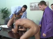 Muscled hunks love office orgy