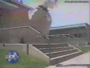 Skater Falls & Breaks His Leg