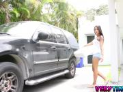 Shorty Nikki Kay Crashes Her Car And Pays With Her Pussy