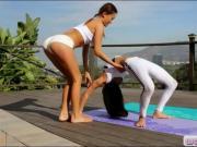 Alina Li and Vanessa Rodriguez lesbian sex outdoors