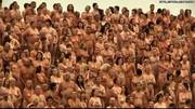 Spencer Tunick takes pics of 5000 naked Australians