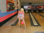 Savannah Gold - Bowling For Cock
