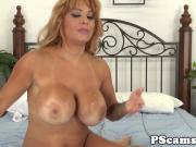 Bigtitted camgirl Alyssa Lynn cockriding