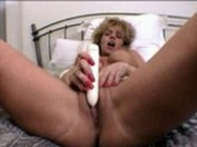 Sammie working Dildo