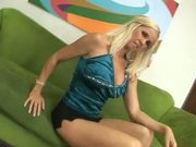 Totally Tabitha & her trimmed snatch in bang scene