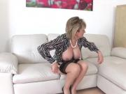 Adulterous uk mature lady sonia exposes her heavy jugs