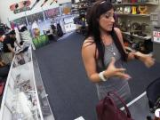 Amateur brunette babe fucked by pawn guy to earn some cash