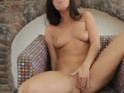 Solo girl pleases herself