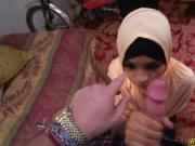 Teen arab slut suck a huge cock like a pro
