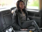 Ebony babe deep throats in cab
