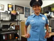 Police officer screwed by nasty pawn guy at the pawnsho