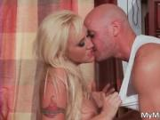 Awesome blonde hoe Alana Evans gets her tight pussy lic