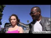 Black dude picks up white chick for gangbang