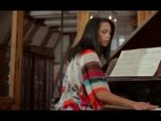 Erotic young hottie pleasing her fuck hole on a piano