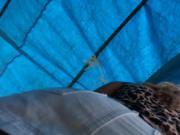 Loira gostosa de mini saia na feira