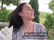 Amateur girlfriend bangs for cash in public