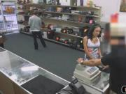 Latina chick sells phones and fuck