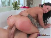 Teen Kelly DiamondXXX Gets Her Pussy Rammed By Suitor