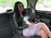 Big ass amateur chick having sex with her taxi driver