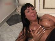 Stunning Angelica Heart fucking her pussy with her mass