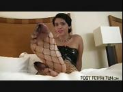 Jerk your cock for Ashley's sexy feet