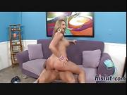 Sexy blonde has her juicy cunt slammed