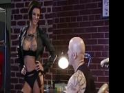 Bonnie Rotten scopa con il tatuatore