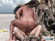 Smashing Latina babe in fantastic outdoor threesome