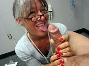 Leilani Love Handjobbing