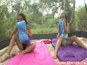 Hot chicks are kissing first time in backyard