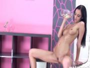 Skinny Eveline pissing through her spandex
