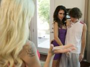 Elsa Jean and Jessica Jaymes Pay Attention MomsTeachSex