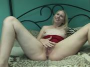 Nasty Blonde Wants You To See All Of Her Stuff