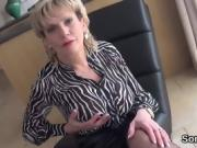 Adulterous uk milf gill ellis presents her heavy breasts