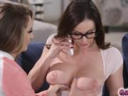 Kimmy Granger pleases Kendra by eating out her pussy