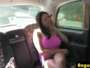 Dirty Girl gets Nasty In The Backseat Of A Cab