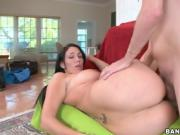 Hot MILF with a huge ass ms10914