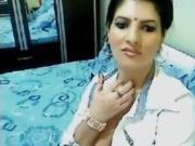 Sexy Arab Teasing Her Body