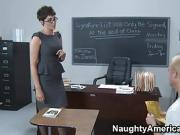 Horny Student Bangs His Extremely Hot Teacher