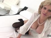 Adulterous british mature lady sonia pops out her oversized b