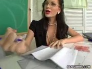 MILF Brandi Edwards gives special therapy