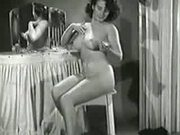 1940s 50s & 60s pussy. - Strip sex video - Tube8.com