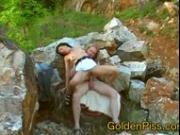 Natursekt outdoor pissing with amateur couple