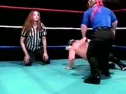 Gwen Summers vs Midget