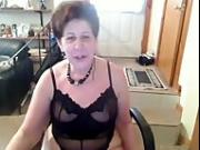 Old Amateur saggie nipple butt slut enjoys dancing naked on cam tube