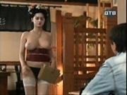 nude waitress - hidden cam