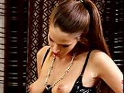 Silvie Deluxe lets aneta v lick her twat
