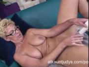 Taylor Lynn gets a big vibrator into her vagina